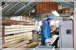 製材加工場-3_s